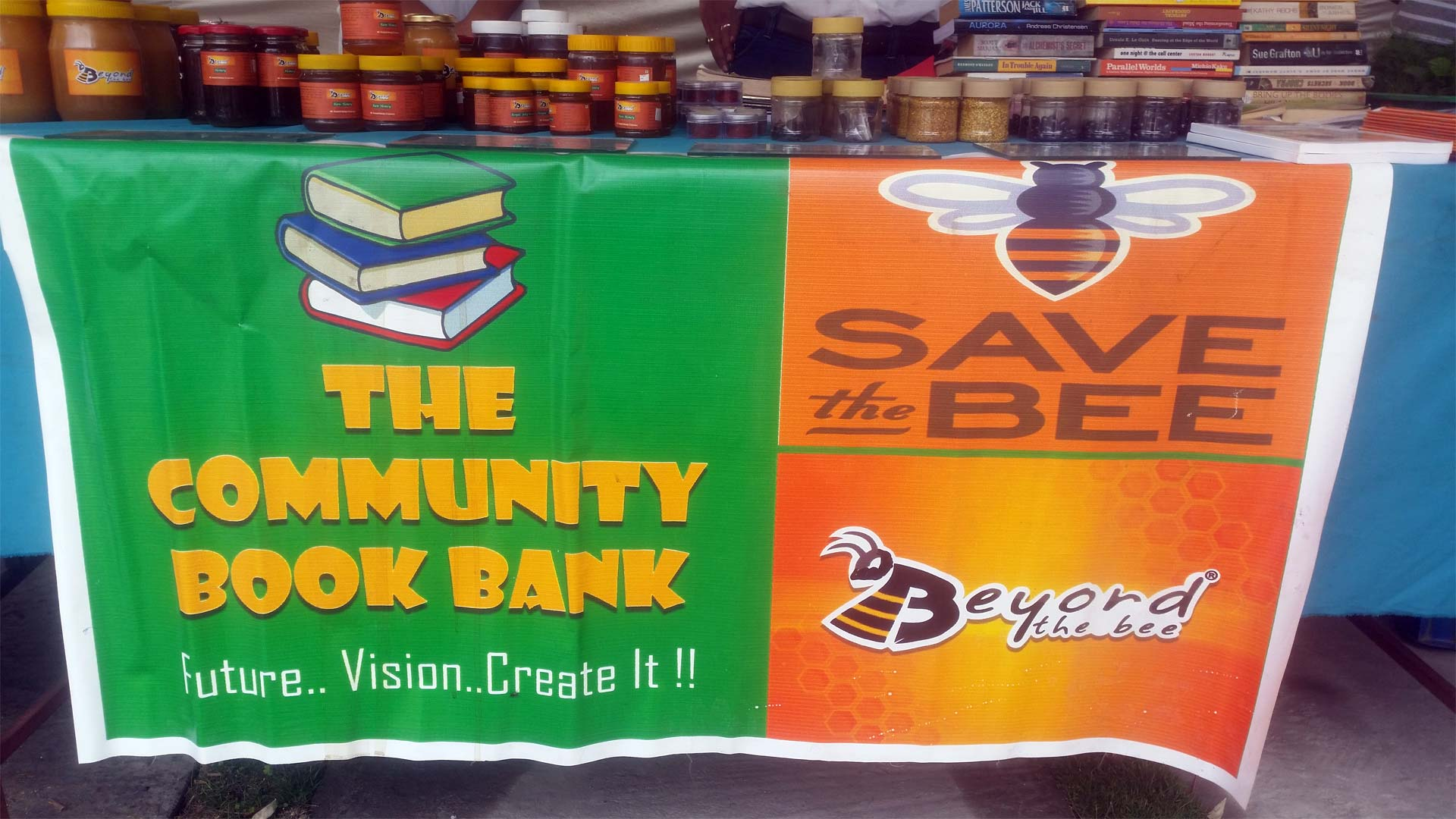 Sell-Honey-Organic-Farmers market